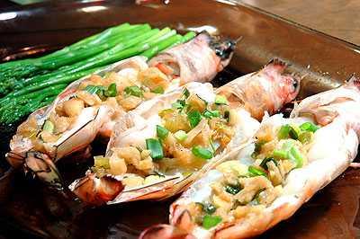 สูตรวิธีการทำอาหารไทย-กุ้งนึ่งเนยราดกระเทียม
