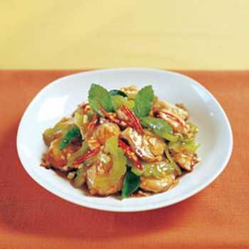 สูตรวิธีการทำอาหารไทย-เนื้อปลาผัดใบกระเพรามะระ