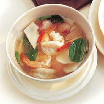สูตรวิธีการทำอาหารไทย-ต้มยำกุ้งน้ำมะพร้าวอ่อน