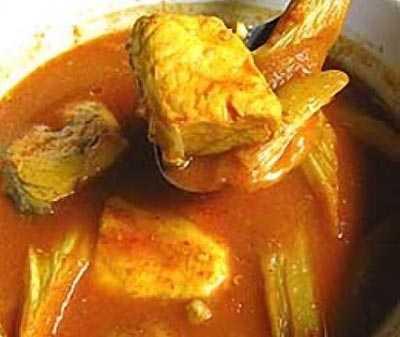 แกงเหลืองปลากะพงต้นคูน