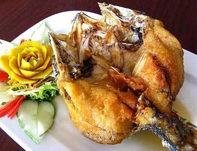 ปลากะพงทอดกรอบราดน้ำปลา