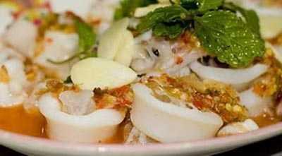 ปลาหมึกไข่นึ่งมะนาว