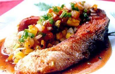 ปลาอินทรีทอดเปรี้ยวหวานสับปะรด