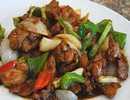 เป็ดผัดพริกไทยดำน้ำมันหอย